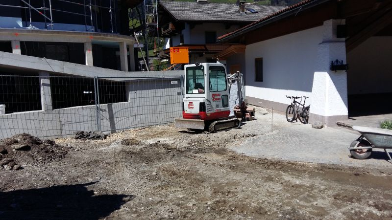 VorbereitungAsphaltierung_und_Gartengestaltung (1)